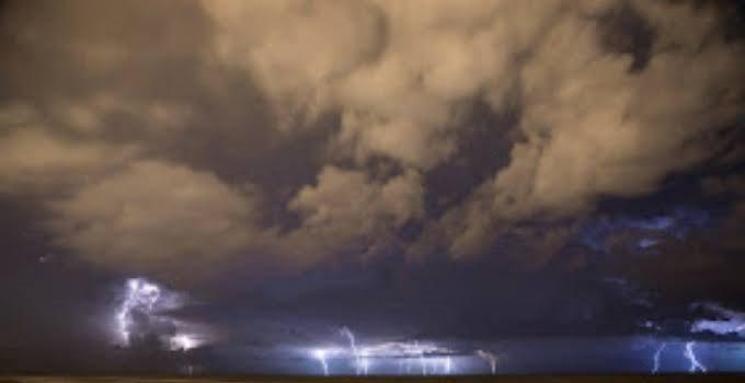 Nuvens carregadas chegam ao leste do Nordeste