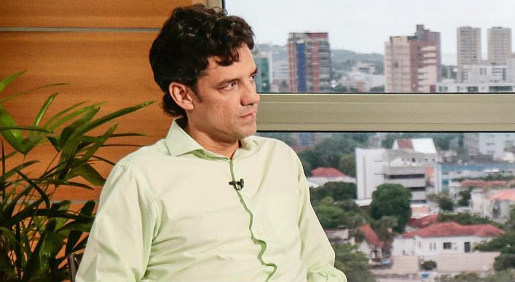 Daniel Coelho denuncia 13º do Bolsa Família, governo de Pernambuco