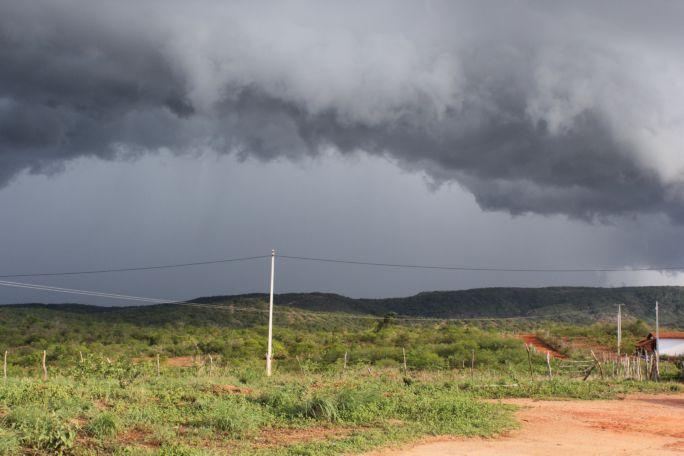 Nordeste tem tempo nublado com pancadas de chuva neste sábado (18)