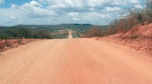 Asfalto da PE-630: O maior sonho de vários municípios do Sertão pernambucano