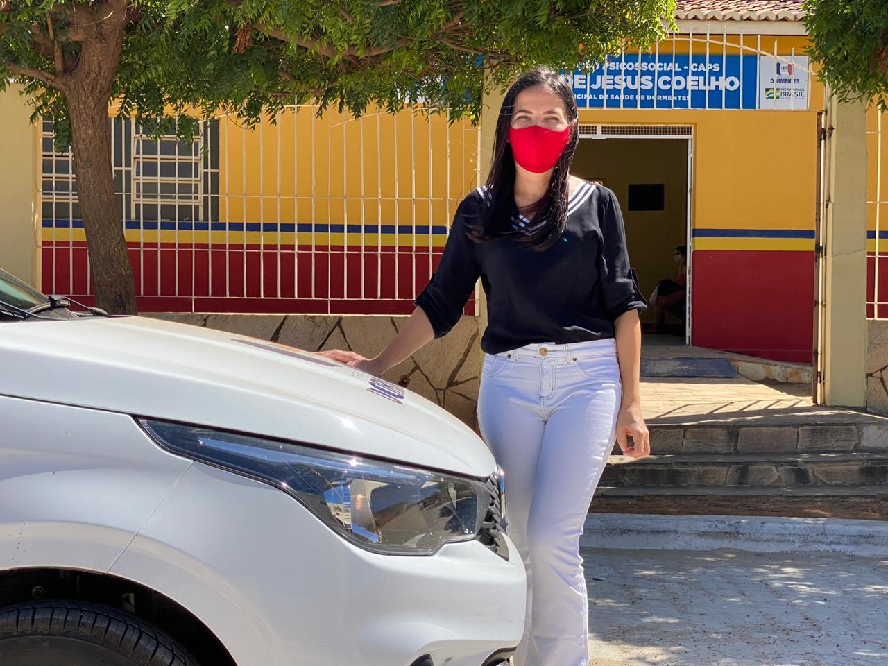 Josimara Cavalcanti entrega carro novo para o CAPS em Dormentes