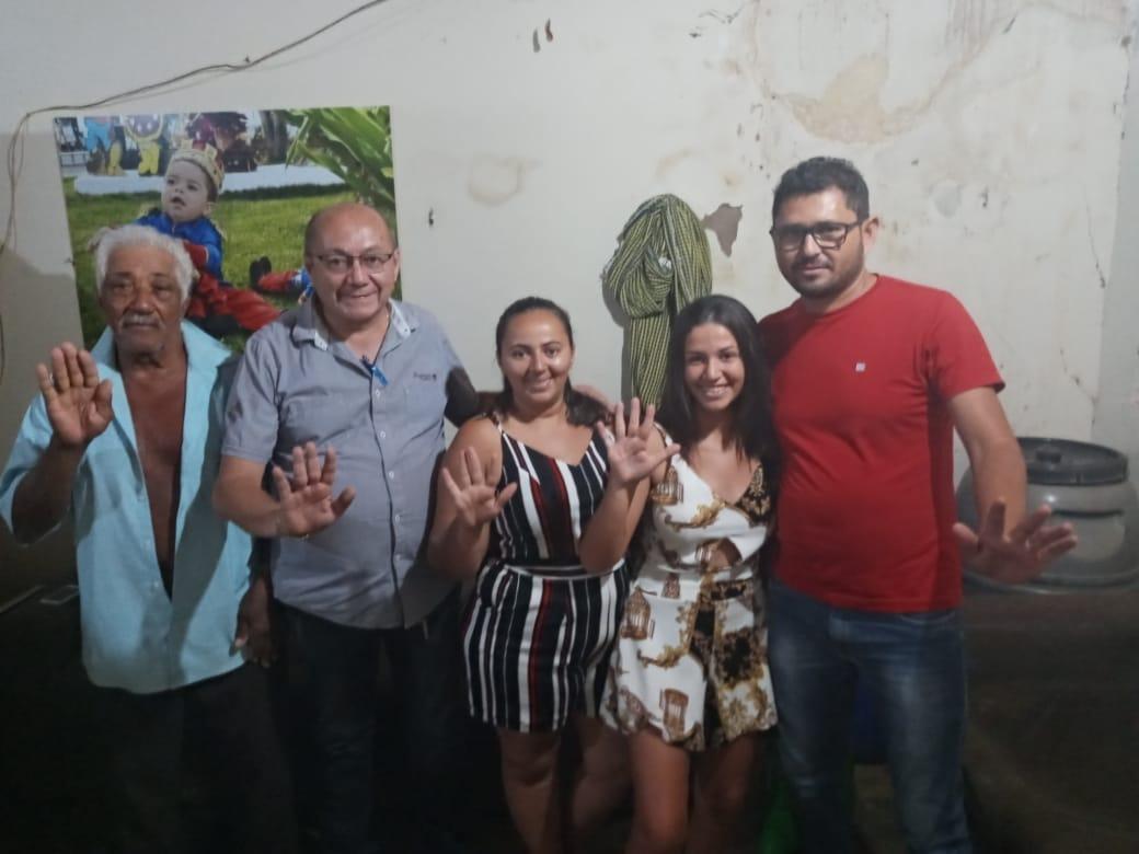Funcionária da Prefeitura e filha de vereador da base declara apoio a Gildevan e Adelvan