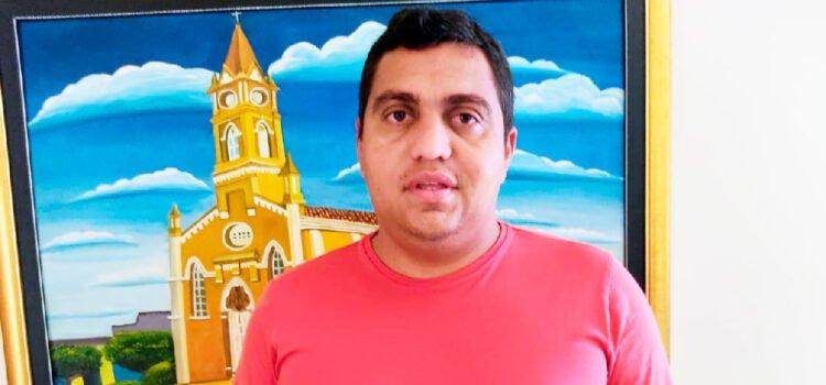 Vereador Wallace esclarece a cerca de caminhão locado à Prefeitura de Santa Filomena por mais de R$ 26 mil mensal