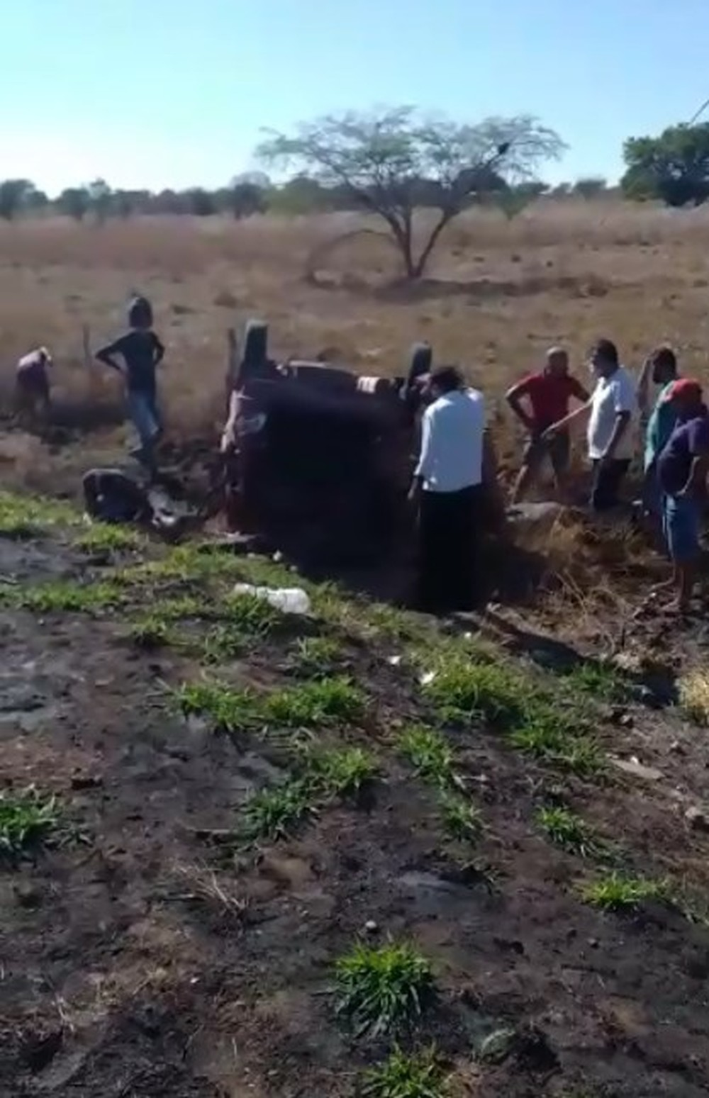 Uma mulher morre e três pessoas ficam feridas após acidente na PE-545, entre Bodocó e Ouricuri