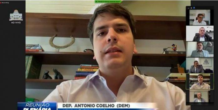 Antonio Coelho é novo líder da bancada de oposição na Alepe e garante cobranças