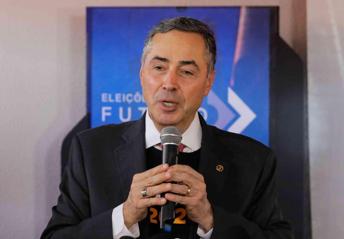 Atraso na divulgação dos resultados foi por falha em computador, diz Barroso