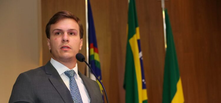 """Miguel Coelho é diplomado prefeito reeleito e garante: """"segundo mandato ainda melhor que o primeiro"""""""