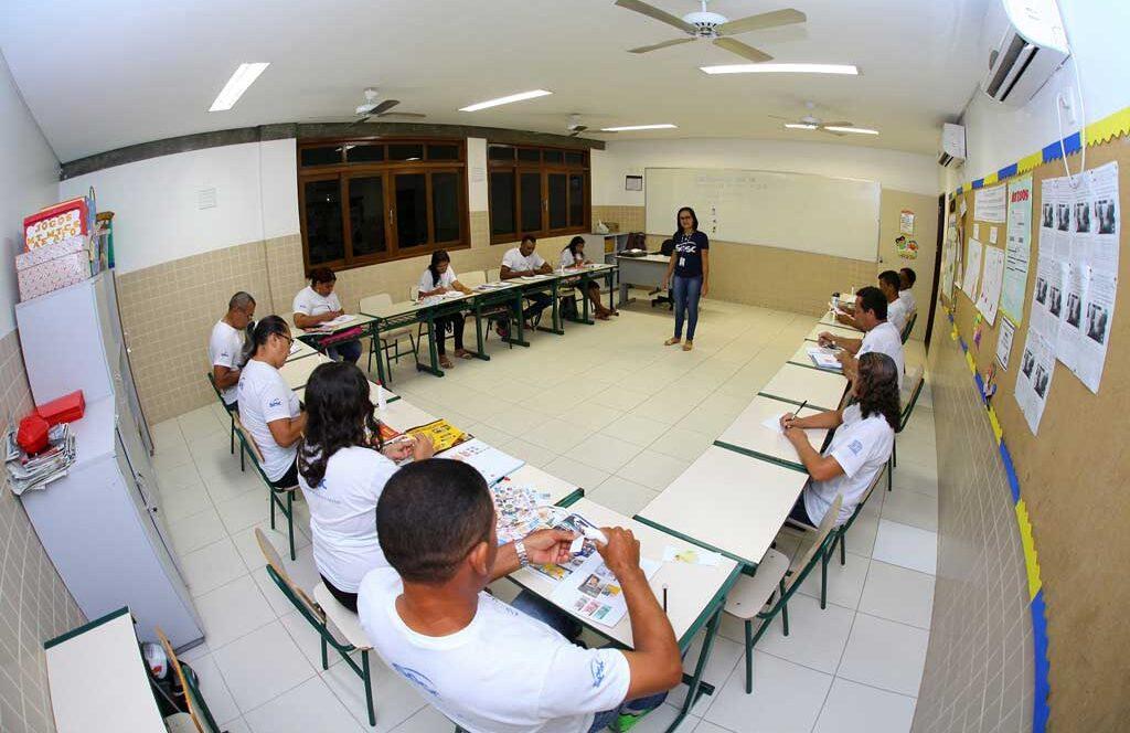 Sesc Ler oferece vagas gratuitas para EJA em Araripina