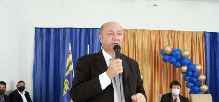 Gildevan Melo empossado prefeito, apresenta foco e metas da gestão