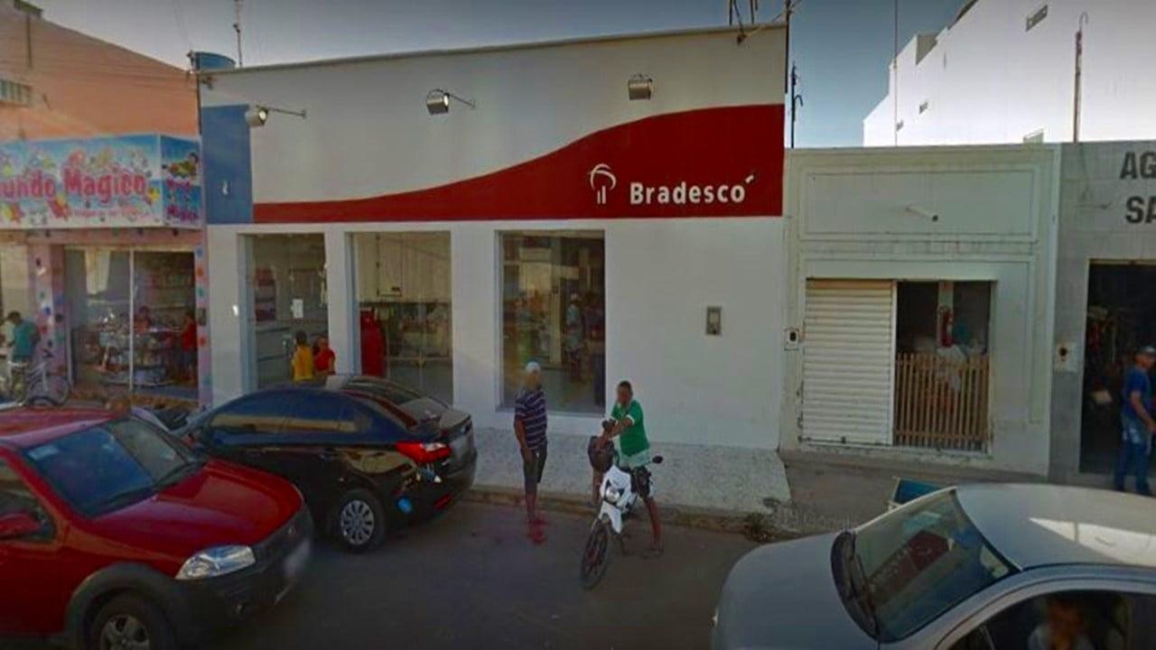 Cliente é assaltado e espancado ao ir sacar dinheiro em banco em Trindade, PE