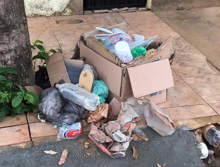 População reclama de roubo de lixeiras em Santa Filomena