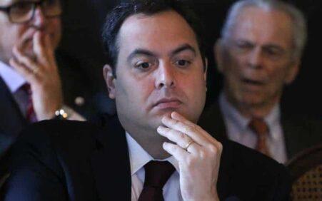 Quando é que o 'poste' do finado Eduardo Campos vai…