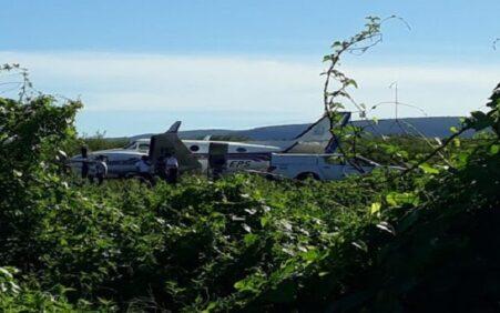 Avião que transportava vacinas contra a Covid-19 na Bahia se choca com Jumento na hora do pouso