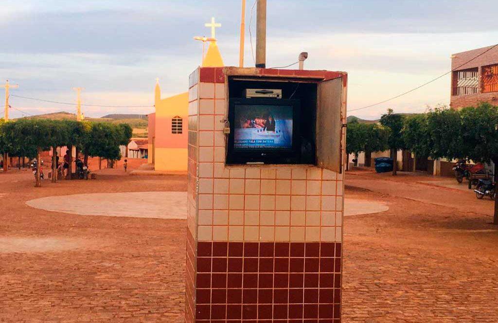 Depois de 4 anos parada, líderes populares recuperam antiga TV da Praça de Livramento e ação repercute