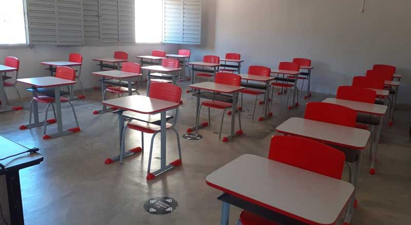 Estudantes da rede municipal de Dormentes retornam às aulas presenciais nesta segunda-feira (2)